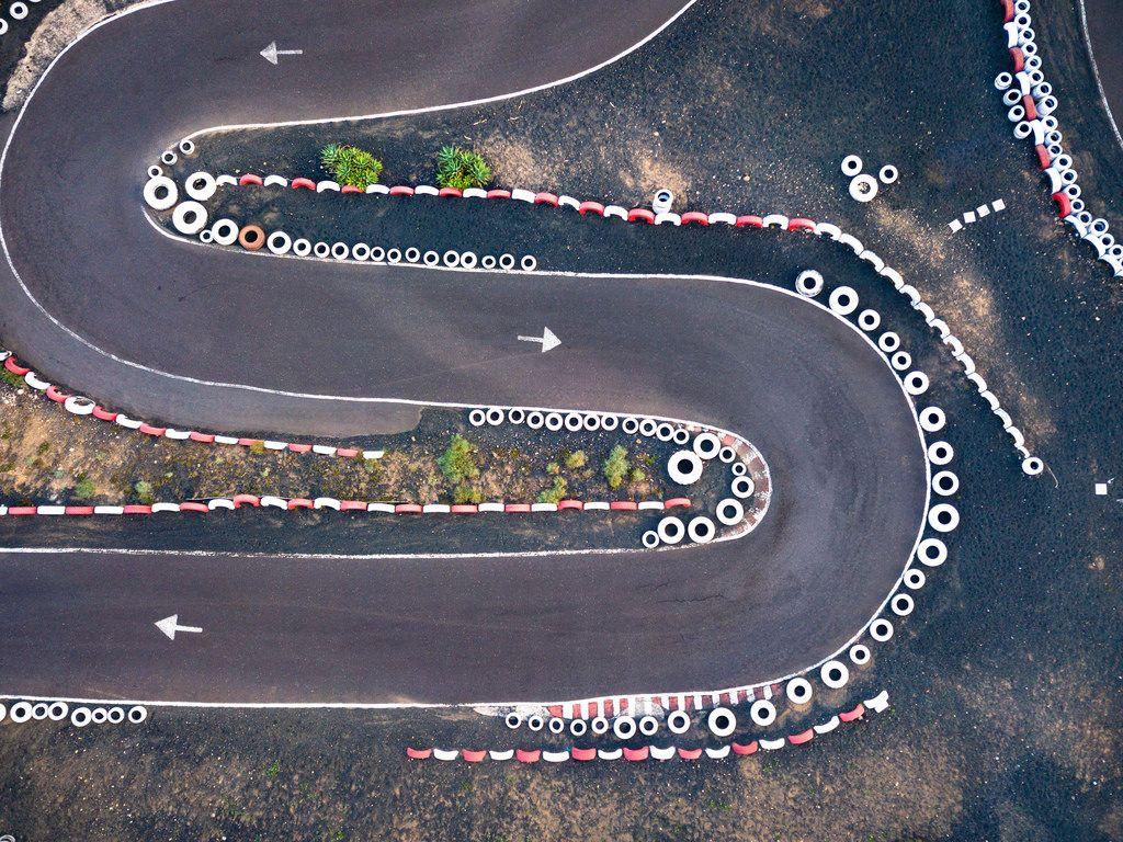 Racing track corner from above / Rennbahnecke von oben