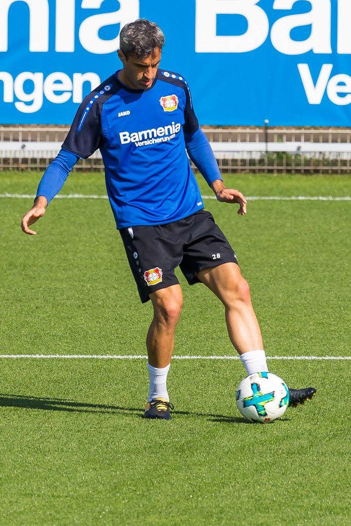 Ramazan Özcan beim Training - Bayer 04 Leverkusen