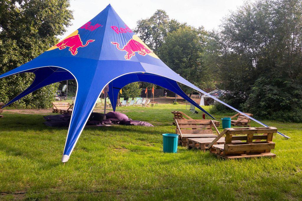 Red Bull Zelt im gamescomCamp - Gamescom 2017, Köln