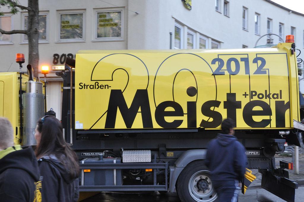 Reinigungsfahrzeug in Dortmund 2012