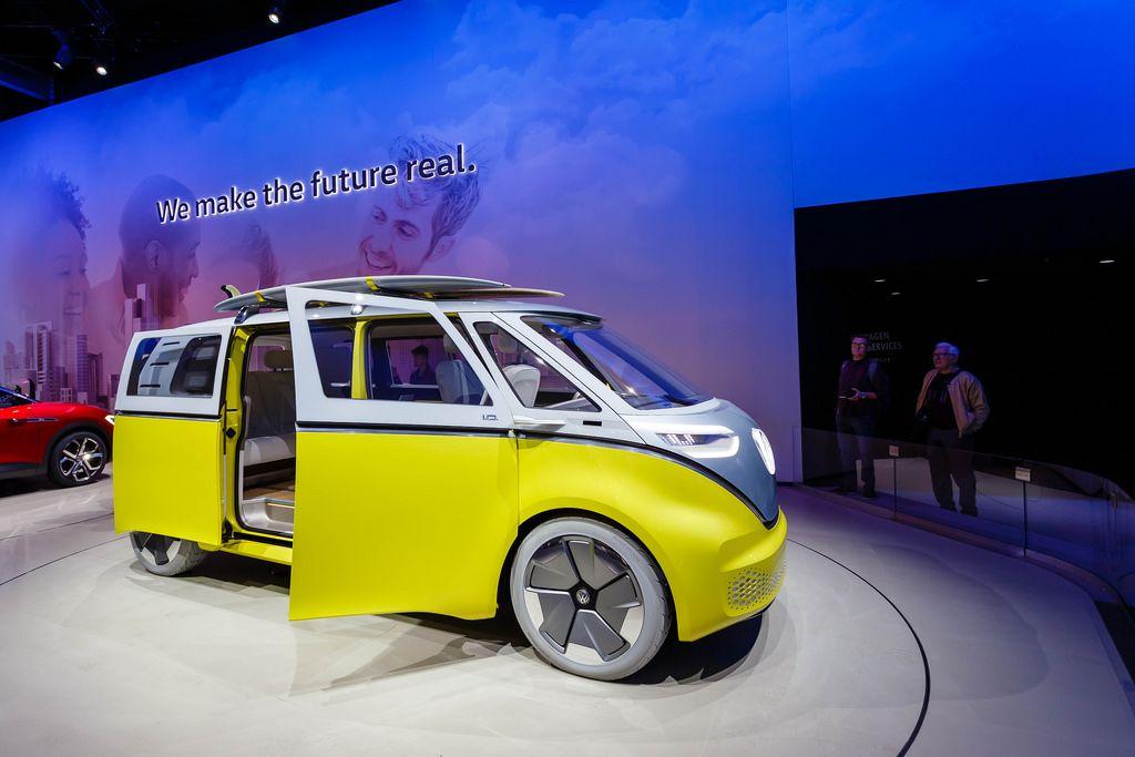 Remake vom Volkswagenbus Buzz I.D. bei der IAA 2017 in Frankfurt am Main