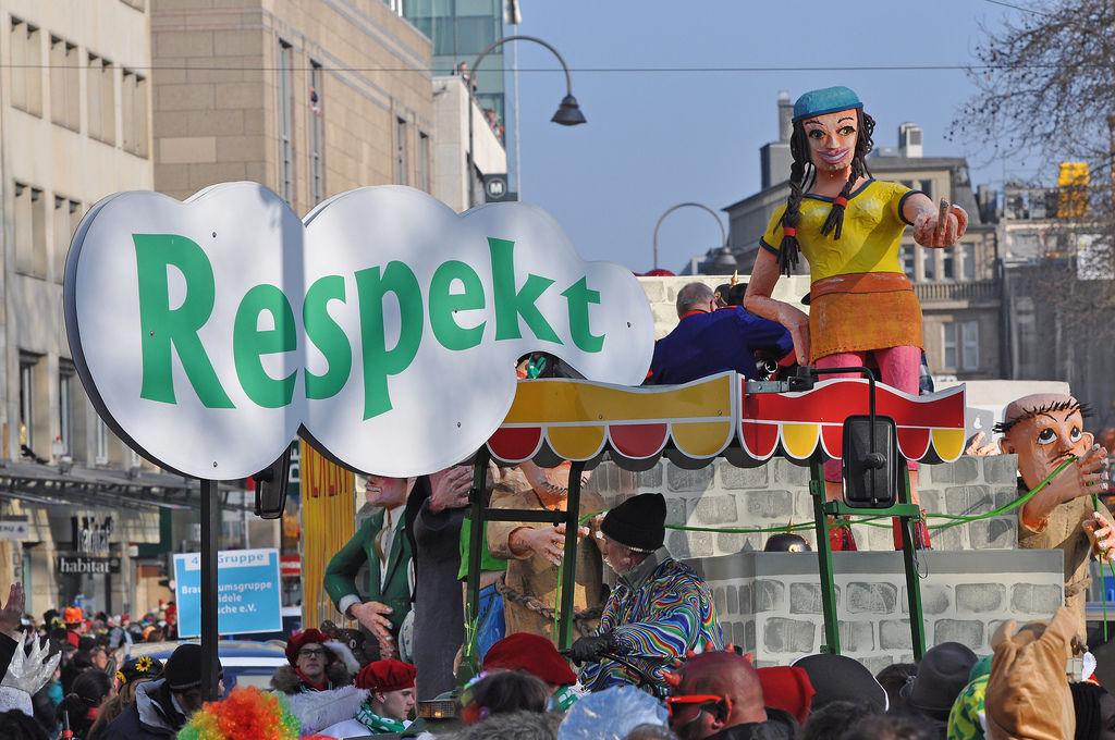 Respekt-Wagen am Rosenmontagszug