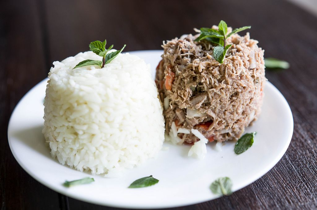 Rice and meat salmagundi