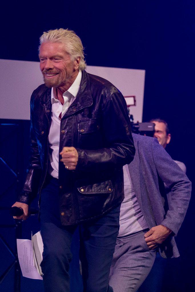 Richard Branson voller Energie auf der Digital X in Köln