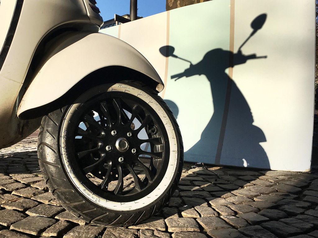 Roller / Motor Scooter