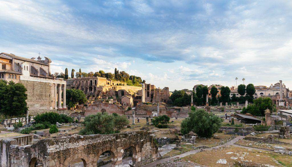 Ruins of Roman Forum / Ruinen des Forum Romanum