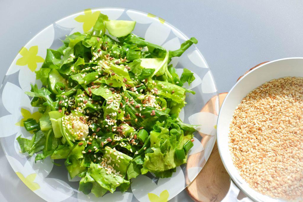 Salat mit Sesam