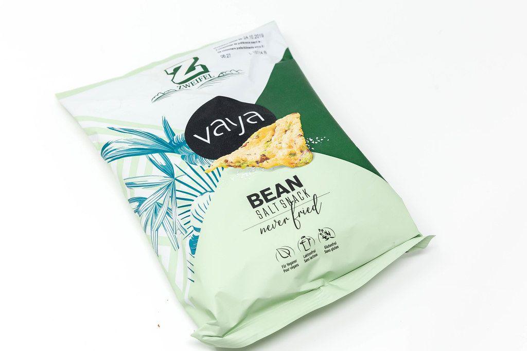 Salziger Snack vaya als vegane Nascherei, auf Basis von Kichererbsen, von Zweifel, ist laktosefrei und glutenfrei