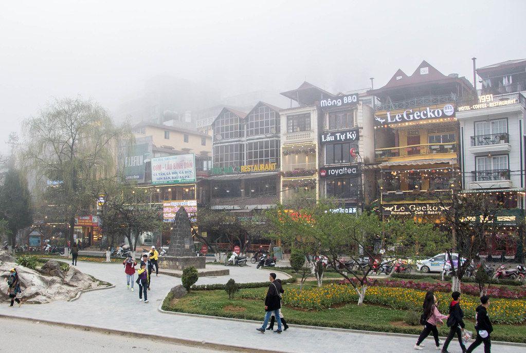 Sapa Village on a foggy day.CR2