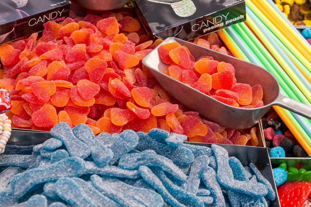 Saures Fruchtgummi mit Schöpfschale