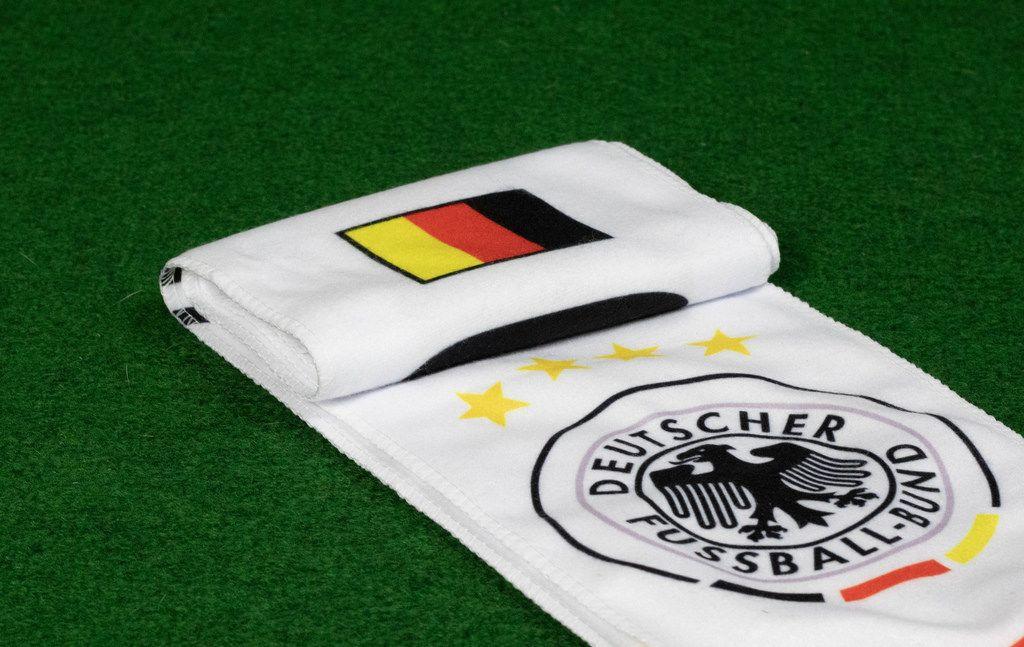 Schal für deutsche Fußball-Fans