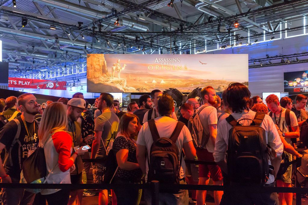 Schlange vor der Assassin's Creed Origins Gaming-Ecke - Gamescom 2017, Cologne
