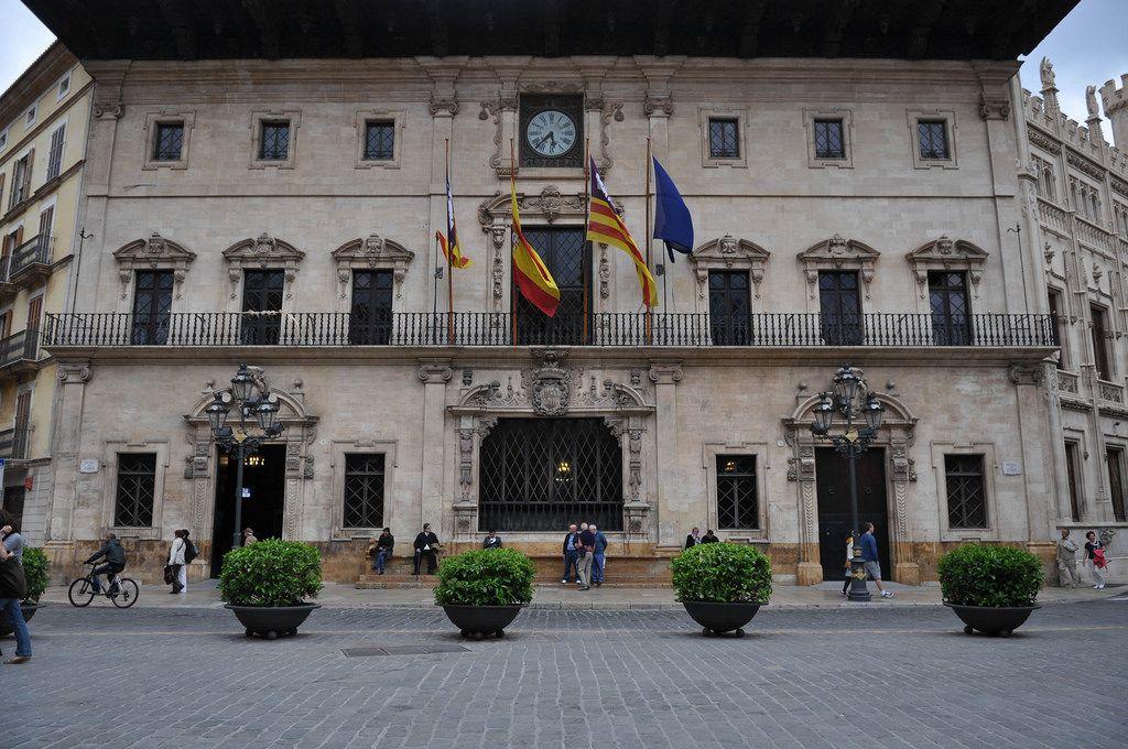 Schöner Platz zum Verweilen: Plaza de Cort auf Palama de Mallorca