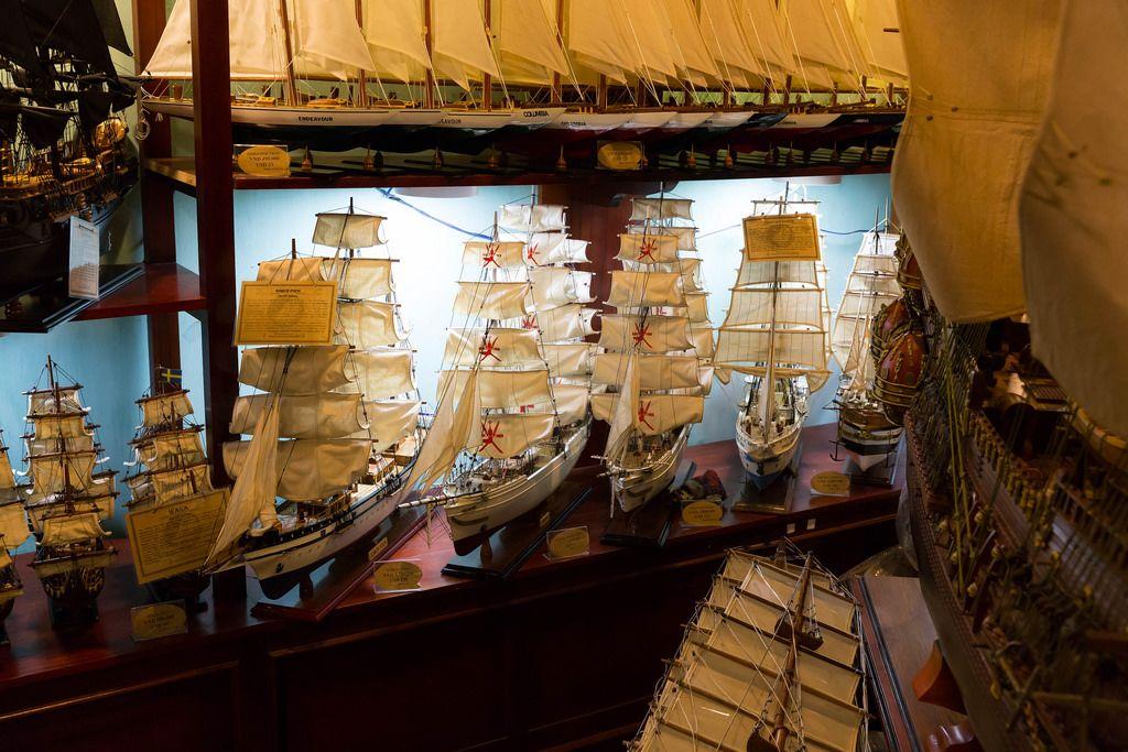 Segelschiff-Modelle in einem Geschäft