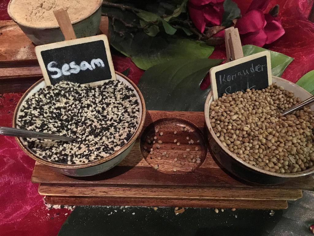 Sesam und Koriander