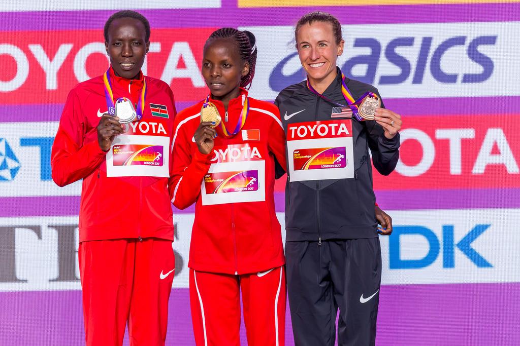 Siegerehrung: Marathon der Frauen mit Chelimo, Kiplagat und Cragg
