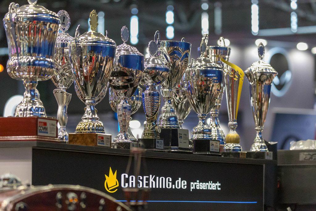 Siegerpokale am Caseking Stand auf der Gamescom