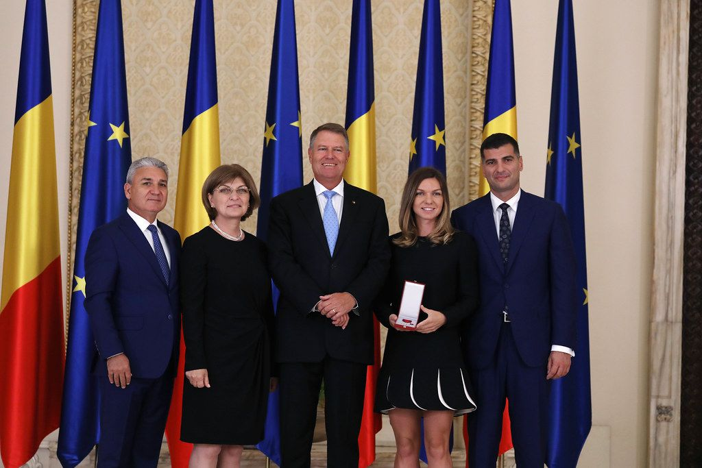 Simona Halep and her family, official photo with Romanian President, Klaus Iohannis