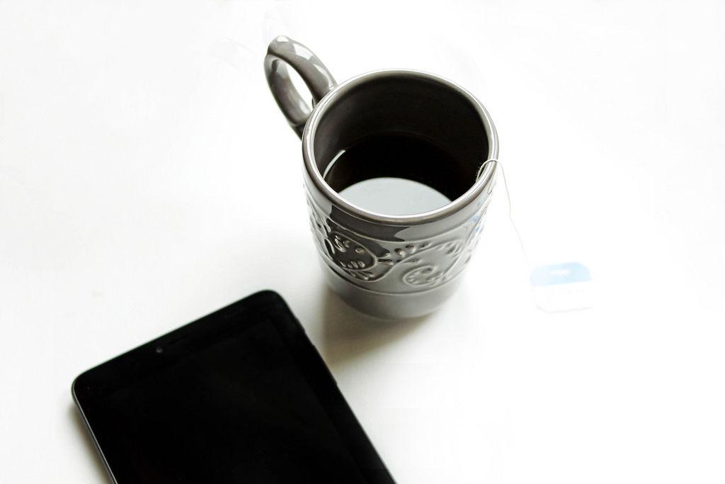 Smartphone und Tee: Work Time