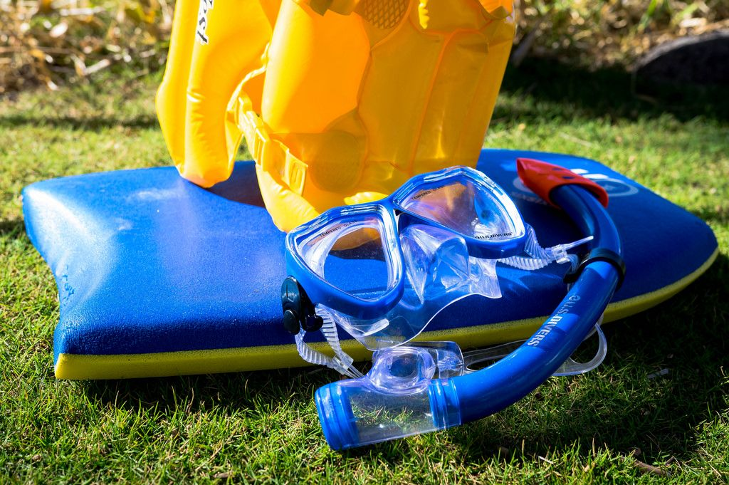Snorkeling kit with floating board