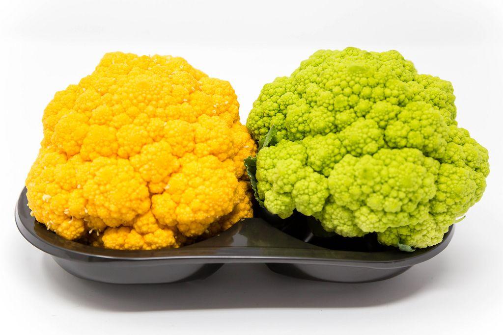 Spanischer Miniblumenkohl in gelb und grün von Jimbo Fresh
