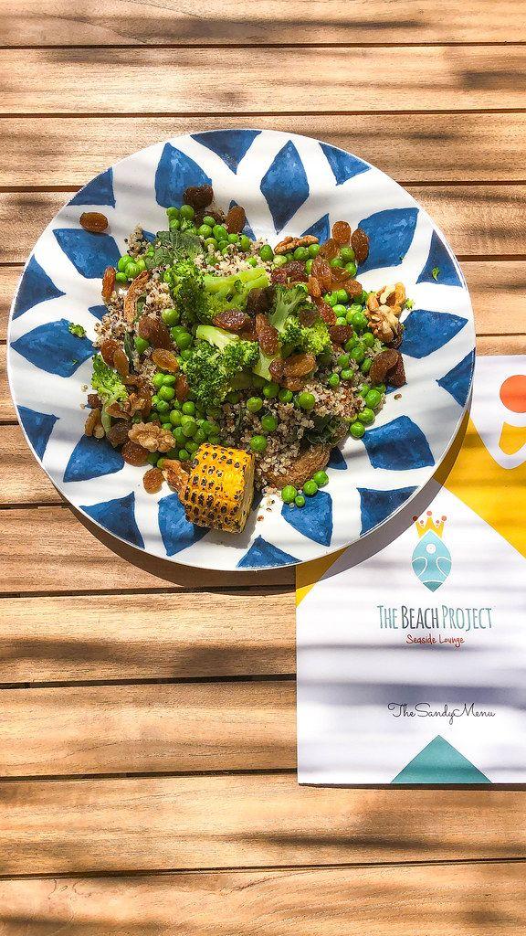 Speisekarte des Beach Project Restaurants, neben dem vegetarischen Mittagessen
