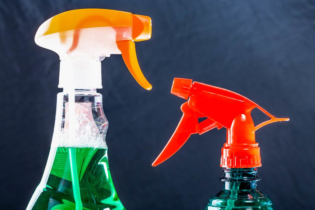 Spray with the sprayers for cleaning glass and mirrors