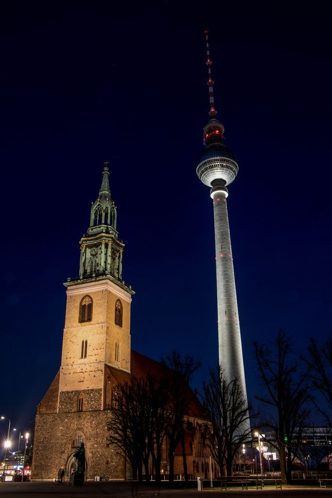 St. Marienkirche and Berliner Fernsehturm at night