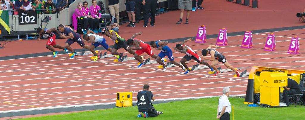 Start des Vorlaufs über 100m