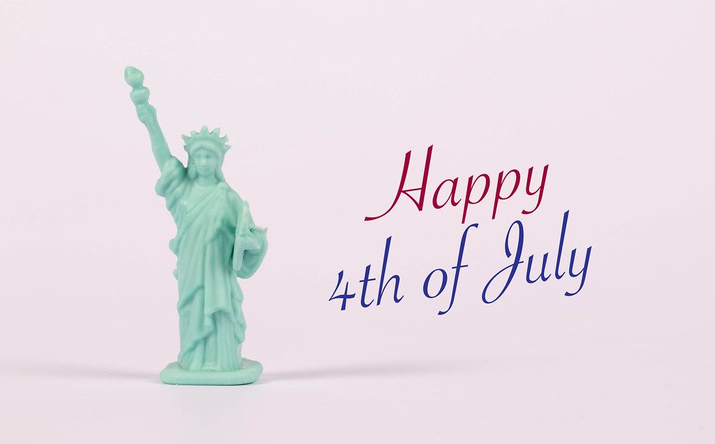 Statue of Liberty with Happy 4h of July text