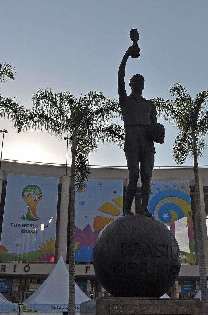 Statue von Bellini vor dem Maracanã-Stadion - Fußball-WM 2014, Brasilien