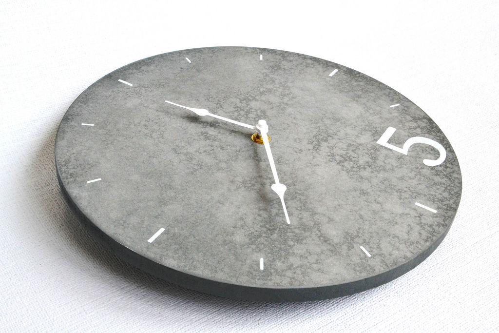 Stein-Uhr
