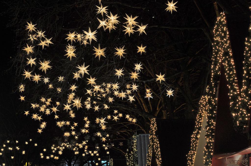 Sterne am Weihnachtsmarkt Neumarkt: Markt der Engel