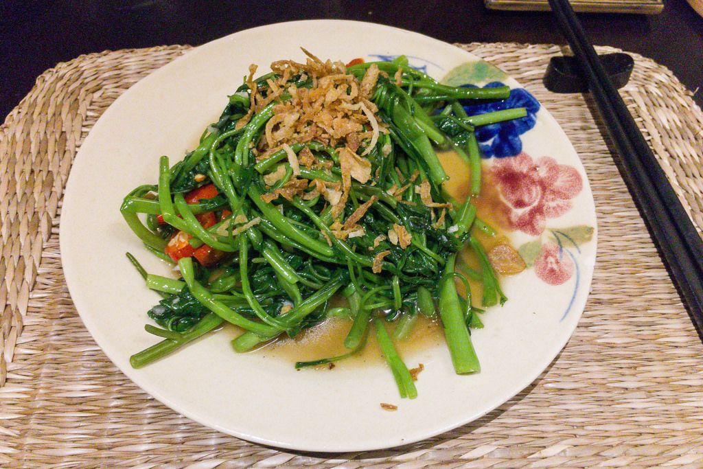 Stir-Fried saisonal vegetables with Garlic