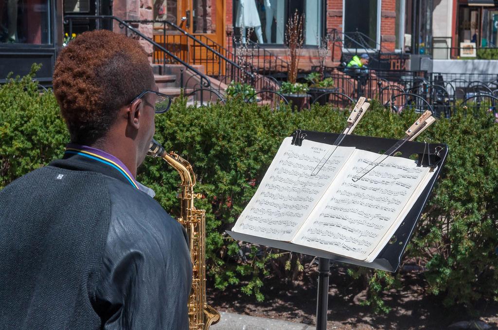 Straßenmusiker auf der Newberry Street in Boston