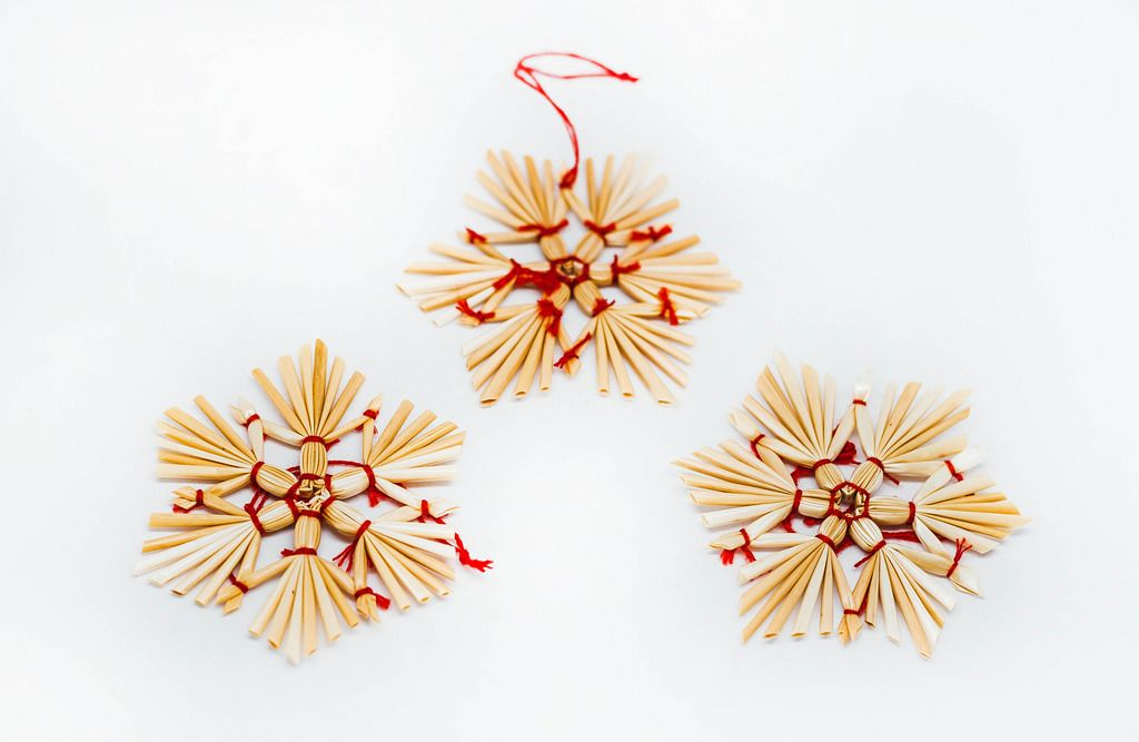 Straw Christmas Tree Decoration.jpg