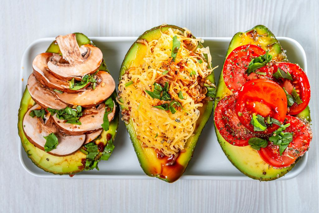 Stuffed avocado with different fillings (Flip 2019)