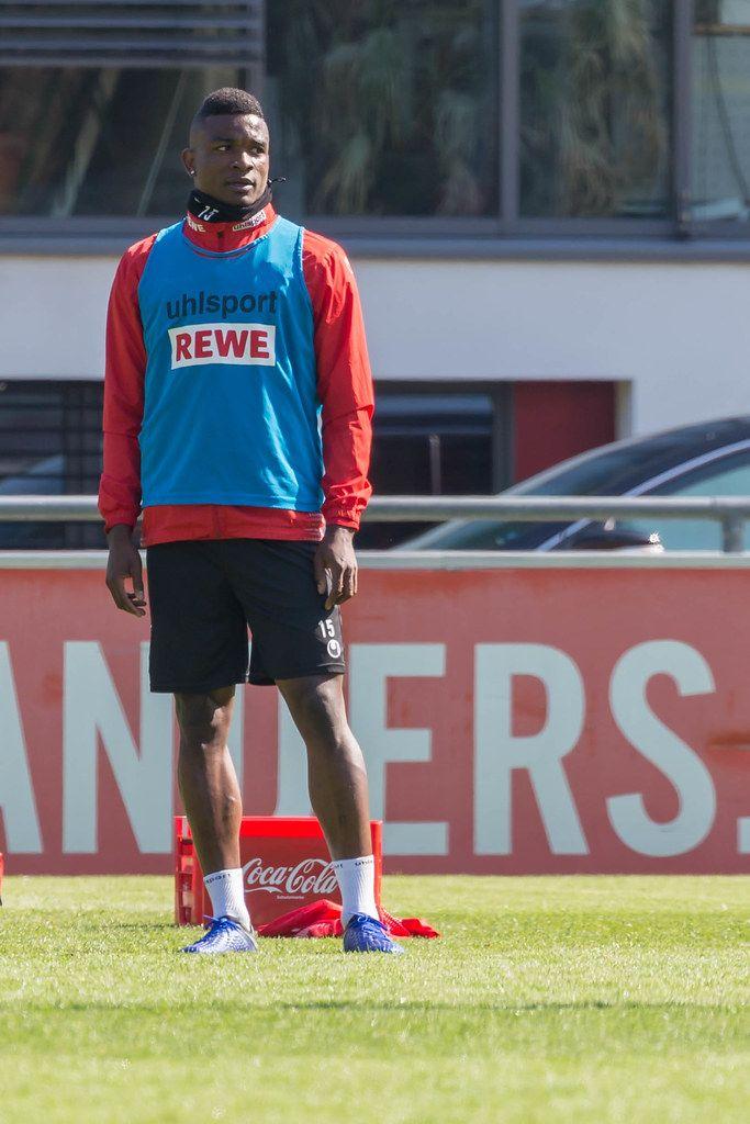 Stürmer des 1. FC Kölns Jhon Córdoba beim ersten Training mit dem neuen Fußballtrainer André Pawlak