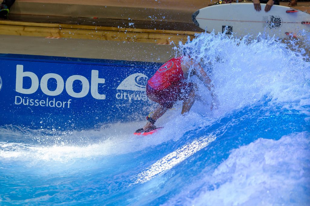 Surfing Anlage Citywave bei der Boot Düsseldorf 2018
