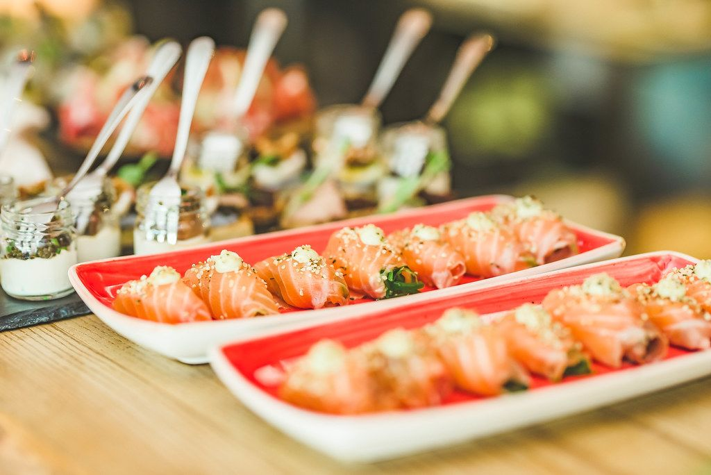 Sushi Rolls With Salmon and Cream (Flip 2019)