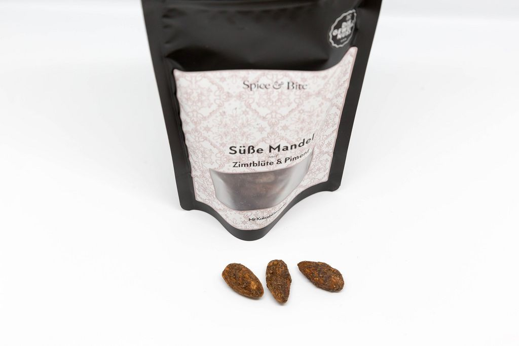 Sweet almonds with cinnamon flower and allspice