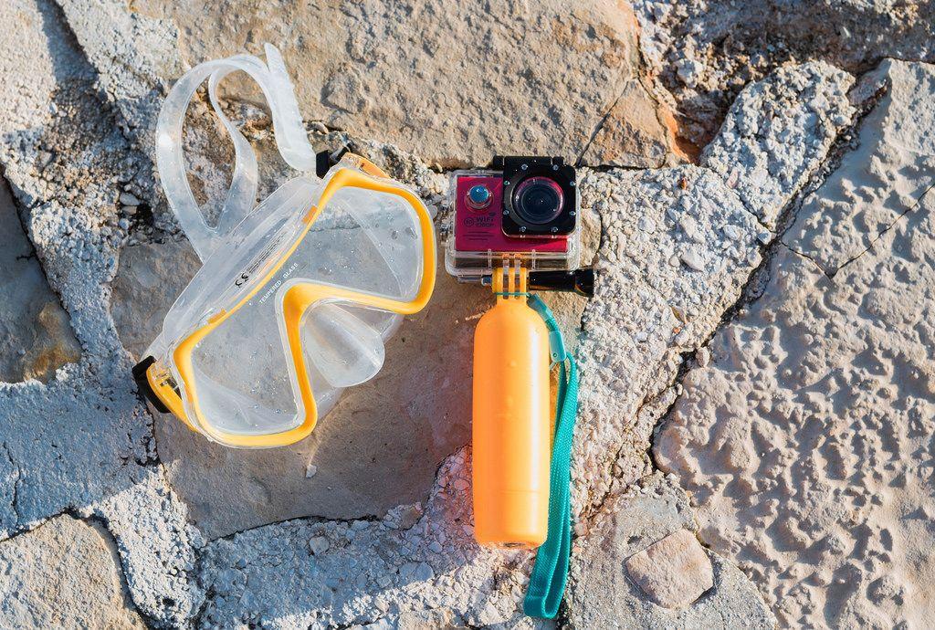 Tauchermaske und Kamera