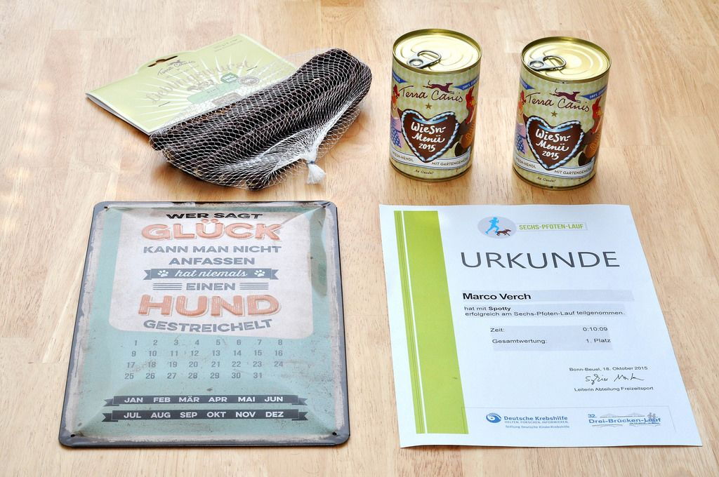 Teilnahmeurkunde am Sech-Pfoten-Lauf, Hundefutter, Kalender und Lieblingswurst