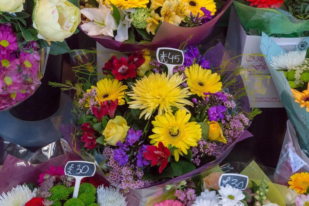 Teure Blumensträuße in eine Blumengeschäft in London