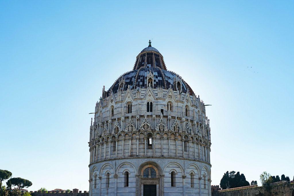 The Pisa Baptistry / Das Pisa Baptisterium