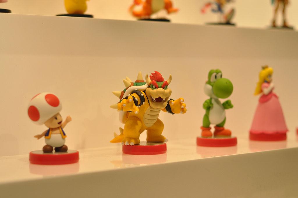 Toad, Bowser, Yoshi und Princessin Peach