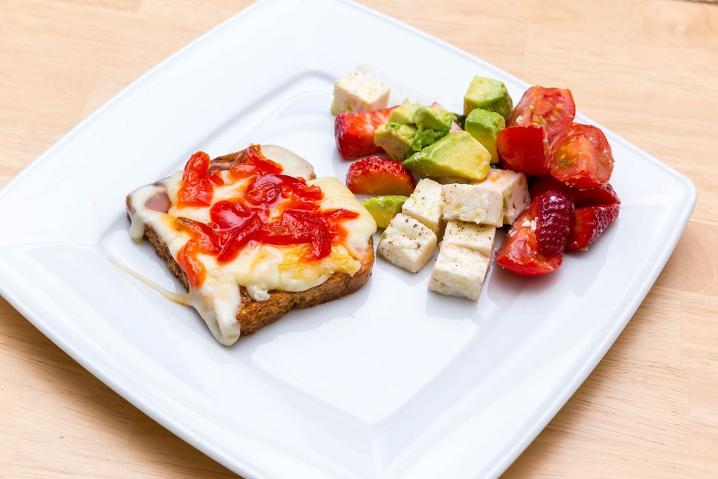 Toast with Cheese, Pepper Jam and Avocado/Strawberry Salad