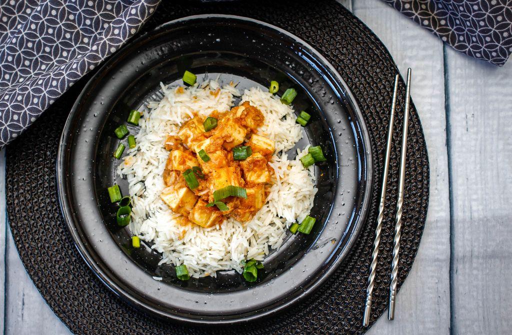 Tofu in Erdnusssauce