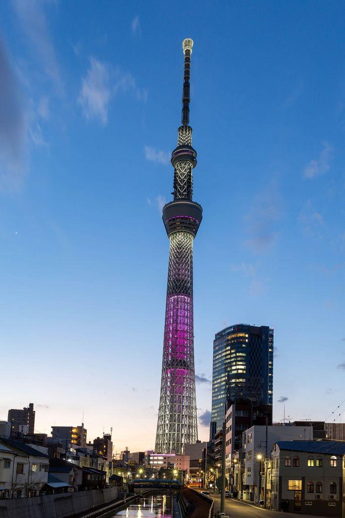 Tokio Skytree Langzeitbelichtung in der blauen Stunde