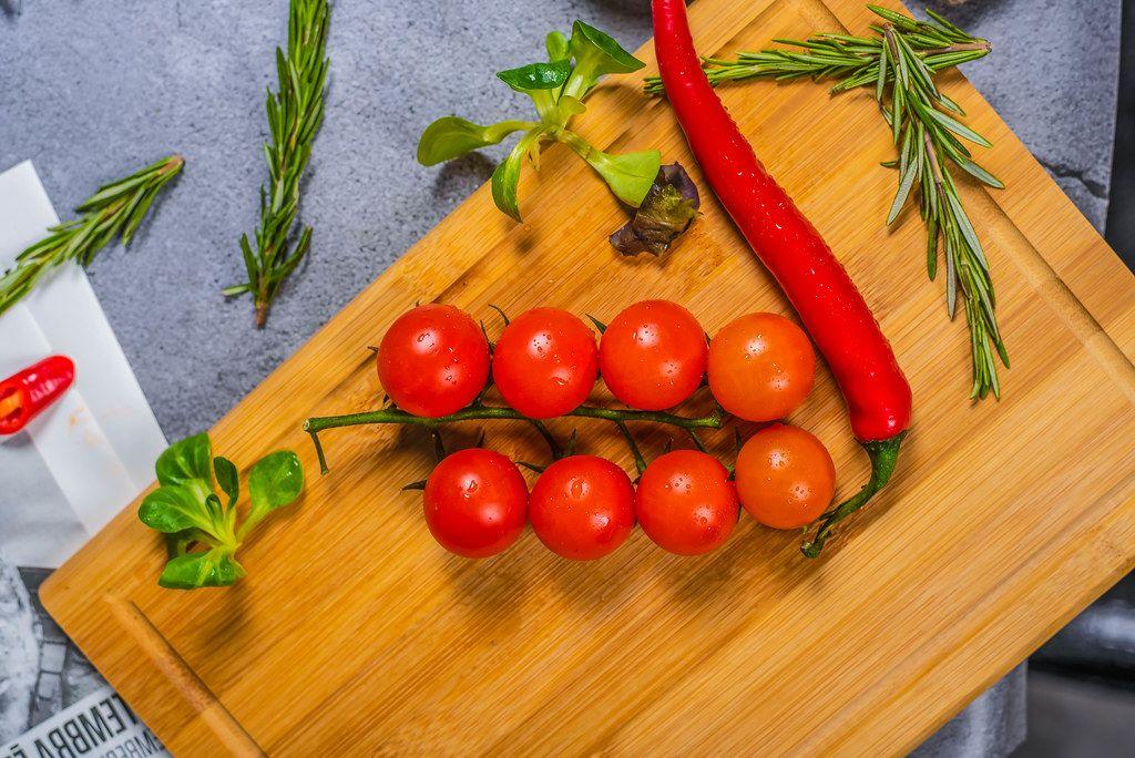 Tomatoes close Up (Flip 2019)